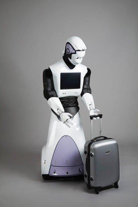 روبوت يعمل شرطيا في دبي ، لكنه مصنوع في إسبانيا وليس الإمارات