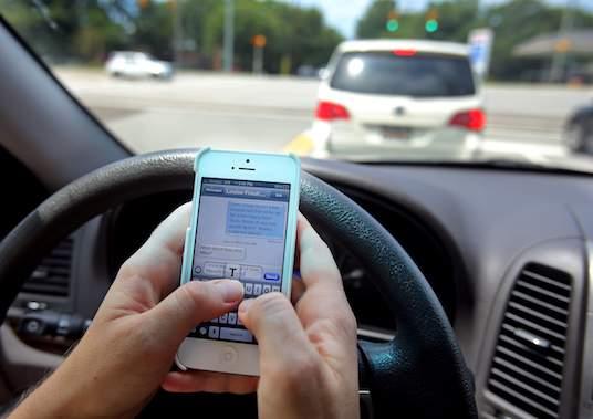 إدمان تطبيقات التواصل أحد أسباب الموت السريع للبطارية... وللمستخدمين أيضا