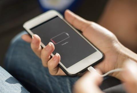 مشاكل الشحن من أكثر المشاكل المزعجة في الهواتف