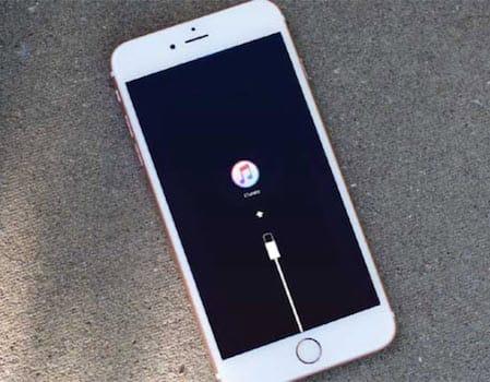حل مشكلة تعليق الايفون على وضع ريكفري بعد العودة من iOS 11 إلى iOS