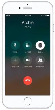 تحويل المكالمة إلى سماعات HomePod