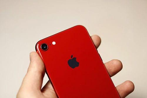 اللون الأحمر للآيفون ضمن مبادرة علاج الايدز